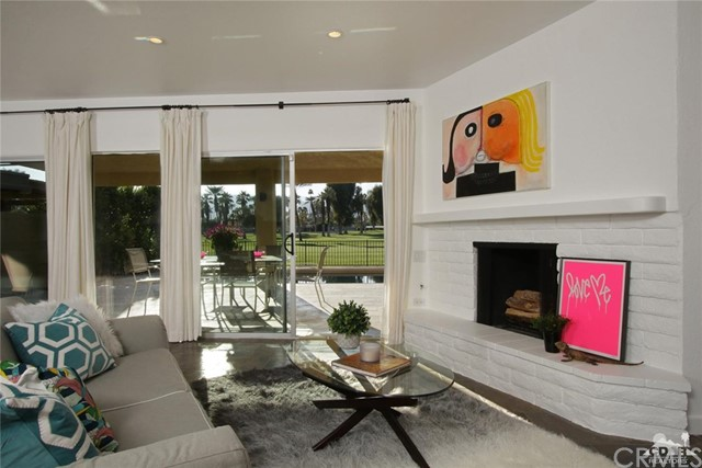 45337 Club Drive, Indian Wells CA: http://media.crmls.org/medias/7e6d0bf1-01a4-4424-9c86-552ee08b26ea.jpg