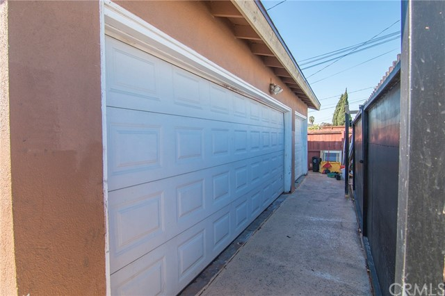 4115 W 161st W Street, Lawndale CA: http://media.crmls.org/medias/7e8d8870-4854-45aa-b117-b0ac3457b560.jpg