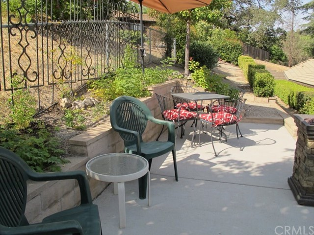 422 Fairview Lane, Paso Robles CA: http://media.crmls.org/medias/7e90f2e3-83d0-458a-b854-618809cfb06f.jpg