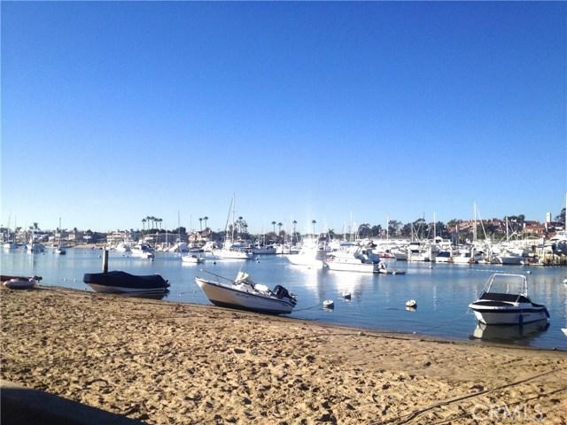 201 Diamond Avenue, Newport Beach CA: http://media.crmls.org/medias/7e9ccd73-88d7-4527-aa4f-498cc44c1550.jpg