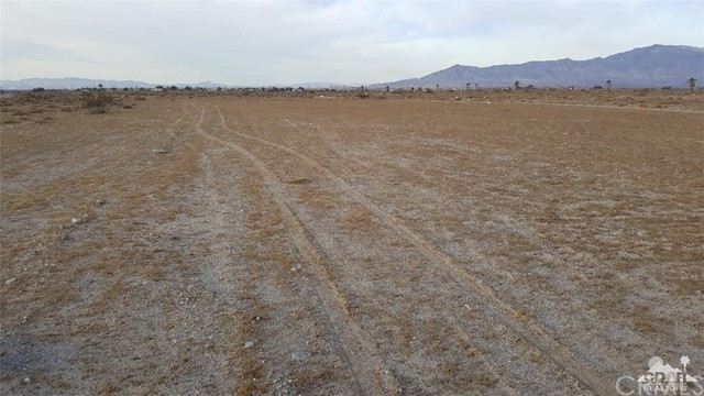 1115 Sea Wind Avenue, Thermal CA: http://media.crmls.org/medias/7e9dc23e-8a09-4672-ab0f-24f7920facb4.jpg