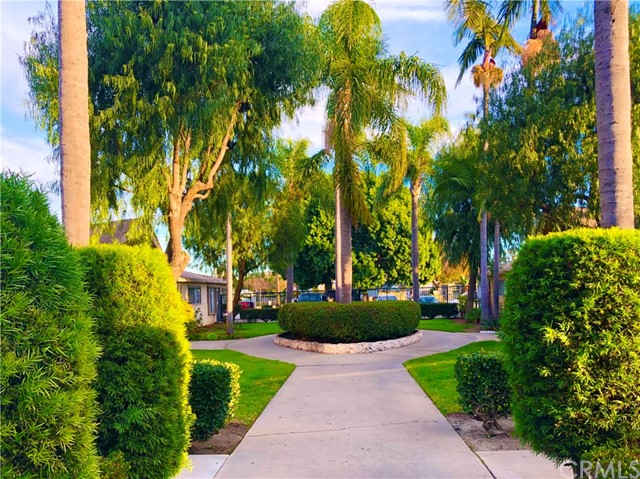 1602 N King Street, Santa Ana CA: http://media.crmls.org/medias/7ea04e11-d093-43a3-8bc3-19e3063054ea.jpg
