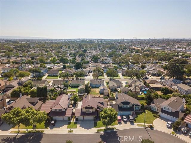 6127 Sunfield Avenue, Lakewood CA: http://media.crmls.org/medias/7ea072e2-3a79-4564-99eb-43e0c914b10d.jpg