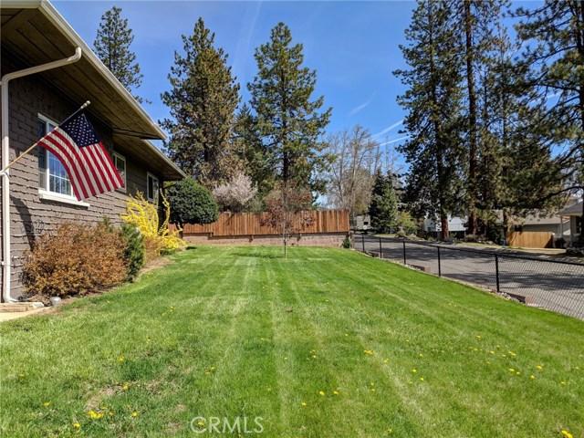 501 Discovery Street, Yreka CA: http://media.crmls.org/medias/7eaff05f-dcde-4ecb-9b7a-c7179b1a8fc8.jpg