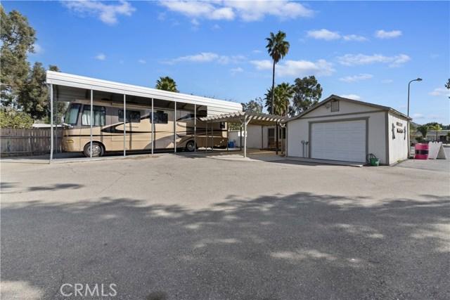 607 6th Street, Norco CA: http://media.crmls.org/medias/7eb58947-eeb1-4d45-bafe-cb9f5cfb11bc.jpg