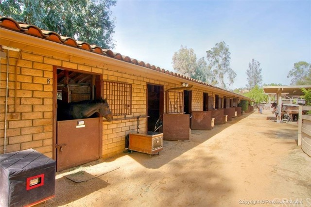 24842 Red Lodge Place, Laguna Hills CA: http://media.crmls.org/medias/7eb94082-d1e8-45df-ac93-b36f2d5098fb.jpg