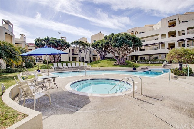 520 The Village 313, Redondo Beach, CA 90277 photo 38
