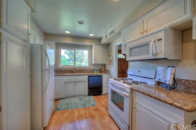 2809 Live Oak Avenue, Fullerton CA: http://media.crmls.org/medias/7ec4fe91-1b23-414c-8bcb-6fc6536d40cc.jpg