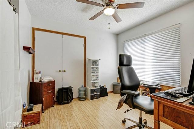 5578 Aster Street, San Bernardino CA: http://media.crmls.org/medias/7ed263f8-2806-43a4-a313-42d343244f26.jpg