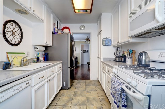 1155 W Masline Street, Covina CA: http://media.crmls.org/medias/7ed4e960-528f-4e37-9b97-76b4eb34ff9b.jpg