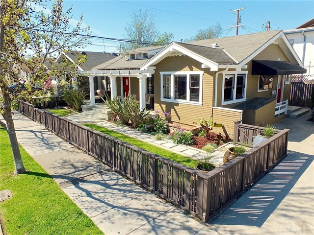 Single Family Home for Sale at 425 Orizaba Avenue Long Beach, California 90814 United States