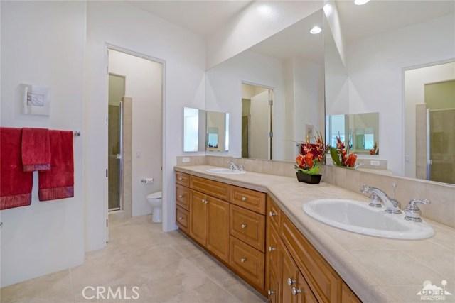 10 Via Haciendas, Rancho Mirage CA: http://media.crmls.org/medias/7ee3c00b-3754-4ecf-a557-a92e152143cb.jpg