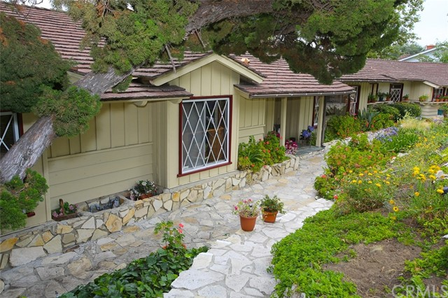 Single Family Home for Sale at 27252 Eastvale Road Palos Verdes Peninsula, California 90274 United States