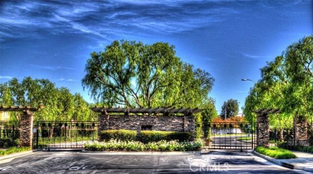 2933 Clover Court, Fullerton CA: http://media.crmls.org/medias/7eeff525-cc48-47be-bdad-6f774596bfac.jpg