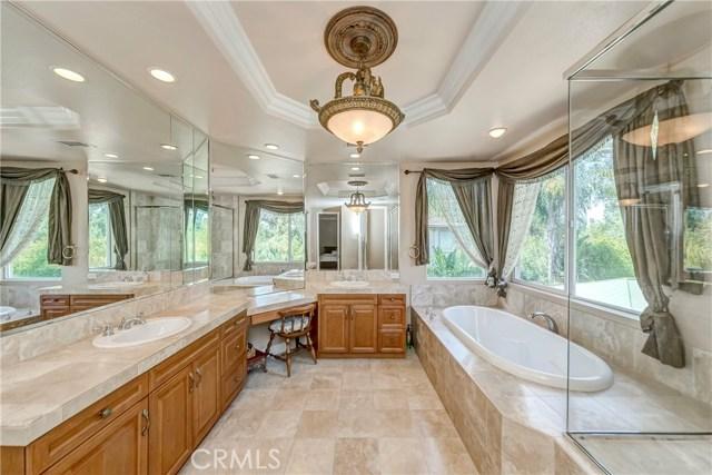 685 Noble Rd., Simi Valley CA: http://media.crmls.org/medias/7eeff66d-990a-43f1-9145-20f0dd77f4d9.jpg