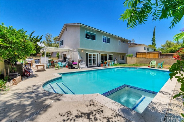416 Mount Carmel Drive Claremont, CA 91711 is listed for sale as MLS Listing CV18149038