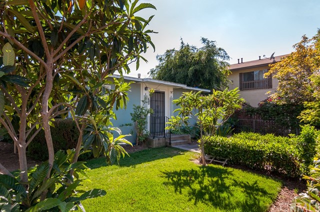 Single Family Home for Sale at 310 Halladay Street S Santa Ana, California 92701 United States