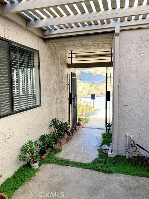 834 W Highpoint Drive, Claremont CA: http://media.crmls.org/medias/7f074ae4-02bb-4e9f-bf52-935c1b077aec.jpg