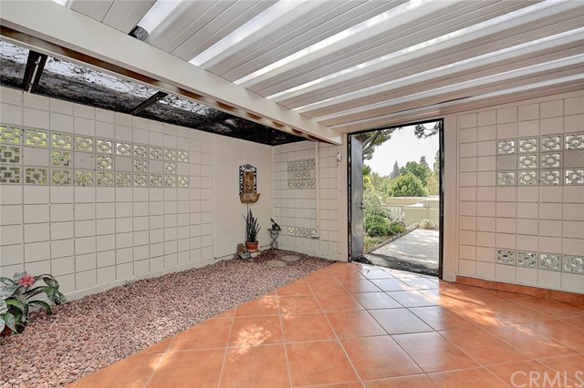158 Avenida Majorca, Laguna Woods CA: http://media.crmls.org/medias/7f13d058-5ba9-4b8d-9dec-2bd5d25a6ca0.jpg