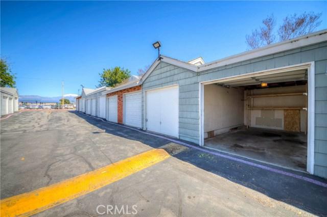 5640 Riverside Drive, Chino CA: http://media.crmls.org/medias/7f159b72-e1df-480f-8099-ba73de56c877.jpg