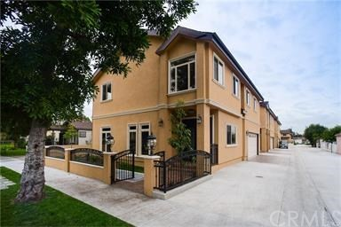 Townhouse for Sale at 5244 Live Oak Street Cudahy, California 90201 United States