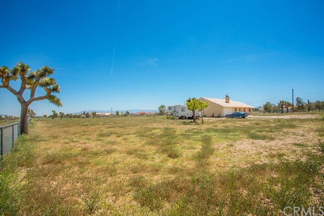 10637 Barker Road Oak Hills, CA 92344 - MLS #: IV17095696