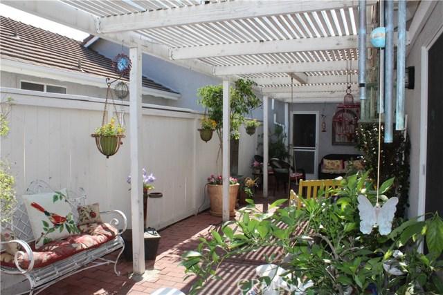 6645 Brighton Place, Alta Loma CA: http://media.crmls.org/medias/7f369306-e562-4e96-a35f-24bd911c23f3.jpg