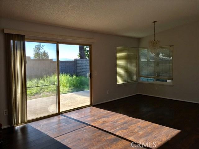 6767 Rycroft Drive, Riverside CA: http://media.crmls.org/medias/7f4baf3a-444e-47ff-982e-0fe3f9ab6e75.jpg