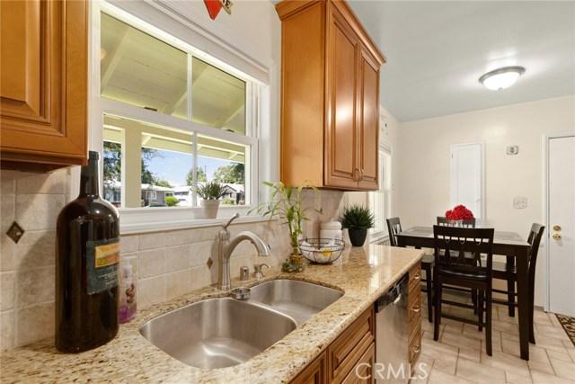 1220 Riverside Drive, Fullerton CA: http://media.crmls.org/medias/7f4fbee6-861a-4484-9e1b-08e340111773.jpg