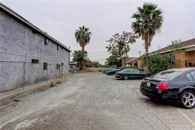 4214 Floral Drive, Los Angeles CA: http://media.crmls.org/medias/7f6f2b25-9eb3-4231-a7a3-763bb24819c3.jpg
