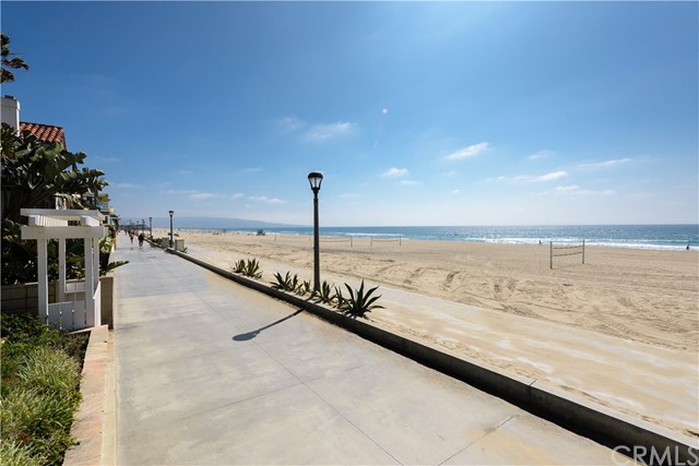 Additional photo for property listing at 608 The Strand  Manhattan Beach, 캘리포니아,90266 미국