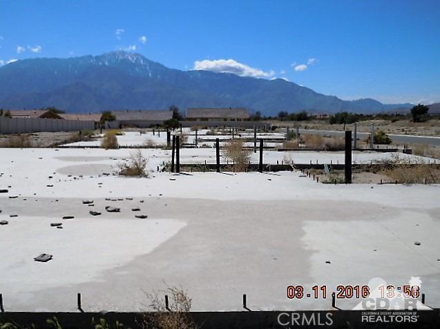 11339 Bald Eagle Lane, Desert Hot Springs CA: http://media.crmls.org/medias/7f7e3dfc-6678-4573-a932-d3153ca84038.jpg
