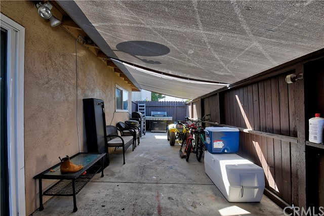 2077 Wallace Avenue, Costa Mesa CA: http://media.crmls.org/medias/7f85bd21-8c7e-4c73-b962-0eee915eed3b.jpg