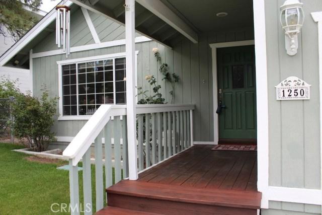 1250 E Alpinview Drive, Big Bear CA: http://media.crmls.org/medias/7f87a61f-20d6-450a-aa15-1dc234fd074b.jpg