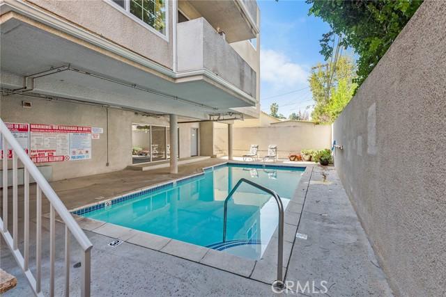 11119 Camarillo Street, North Hollywood CA: http://media.crmls.org/medias/7f8d58c2-3b2b-4763-830e-4f5b20f793ab.jpg