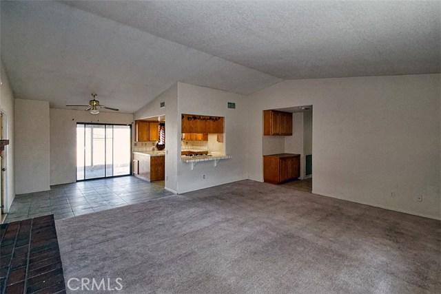 22482 Ramona Avenue Apple Valley, CA 92307 - MLS #: OC18033989