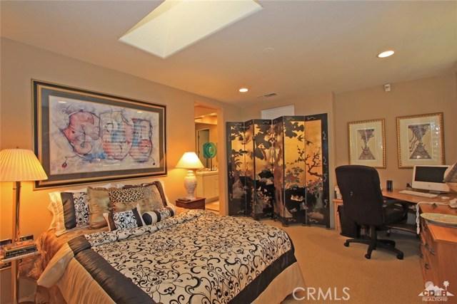 104 Loch Lomond Road, Rancho Mirage CA: http://media.crmls.org/medias/7f979358-7f96-4f11-b293-5e66a1e8cfb7.jpg