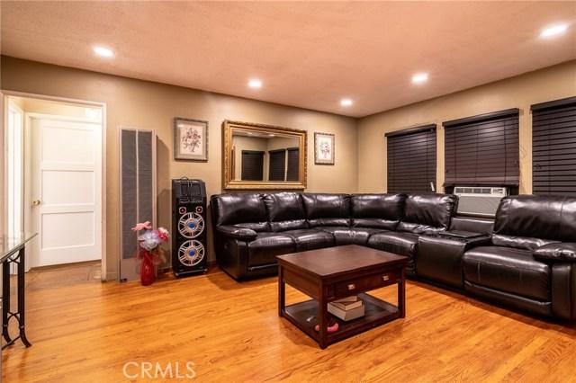 8733 Dalen Street, Downey CA: http://media.crmls.org/medias/7f97cf66-6156-42a7-b894-468ecd00c98a.jpg