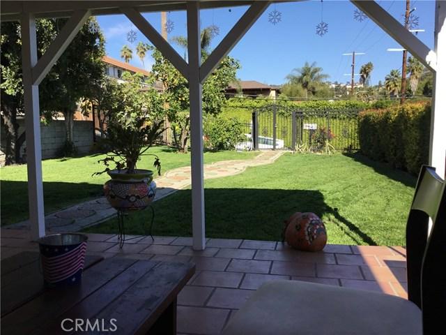 4302 Russell Avenue, Los Angeles CA: http://media.crmls.org/medias/7fab34ce-14ff-4bb6-b9c9-63227771b573.jpg