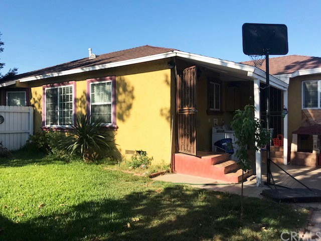 4802 E San Luis Street, Compton CA: http://media.crmls.org/medias/7fab76f2-9a08-4bd7-8b00-72564ccc01f9.jpg