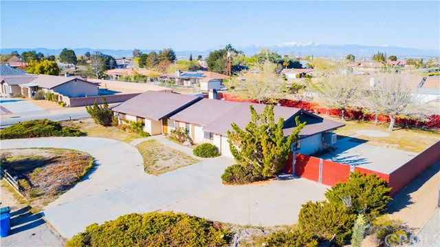 14278 Tawya Road, Apple Valley CA: http://media.crmls.org/medias/7fb9f4cb-5a38-45d6-ad9f-6d539d560ccc.jpg