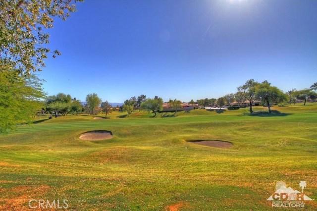 39 Colonial Drive, Rancho Mirage CA: http://media.crmls.org/medias/7fccc7e2-bc31-42e5-888b-e46f30251ba3.jpg