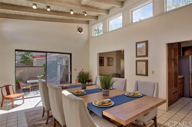 2915 Perla, Newport Beach CA: http://media.crmls.org/medias/7fce549e-4ef6-40ff-b569-603a4008d763.jpg