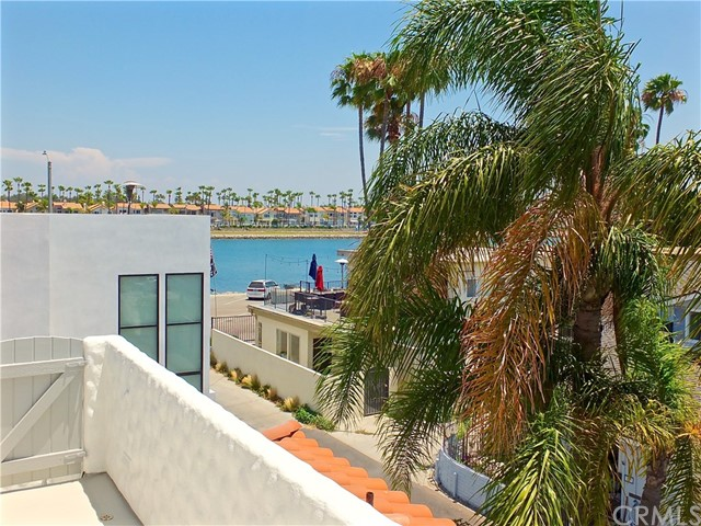 5297 Appian Way, Long Beach CA: http://media.crmls.org/medias/7fd5fb56-ec73-46b0-90af-71095947bb3b.jpg