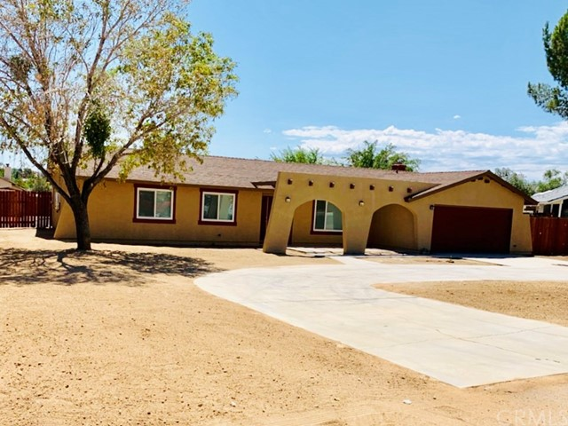13937 Cuyamaca Rd, Apple Valley, CA 92307 Photo