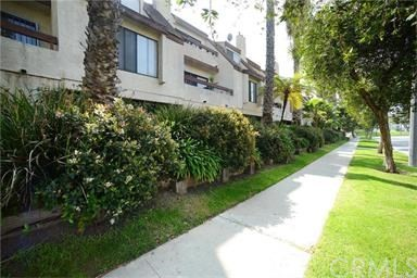 620 W Hyde Park Boulevard 108  Inglewood CA 90302
