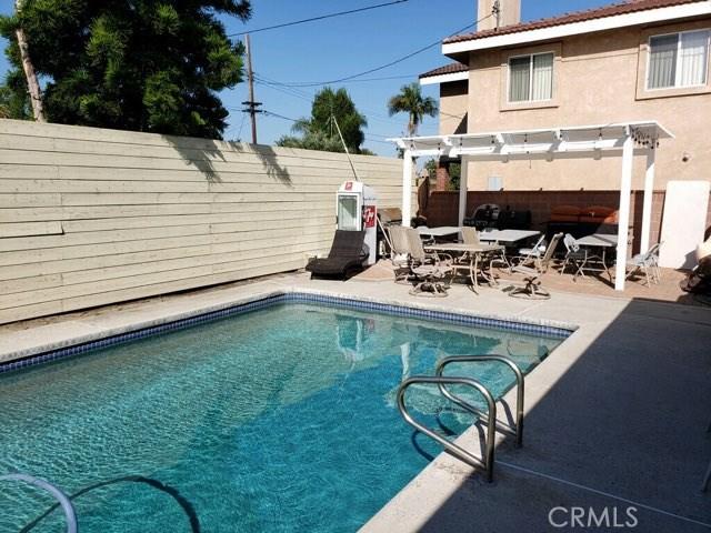 8511 Dacosta Street, Downey CA: http://media.crmls.org/medias/7fe96e8b-74fb-4020-b859-b28d1a6ac6af.jpg
