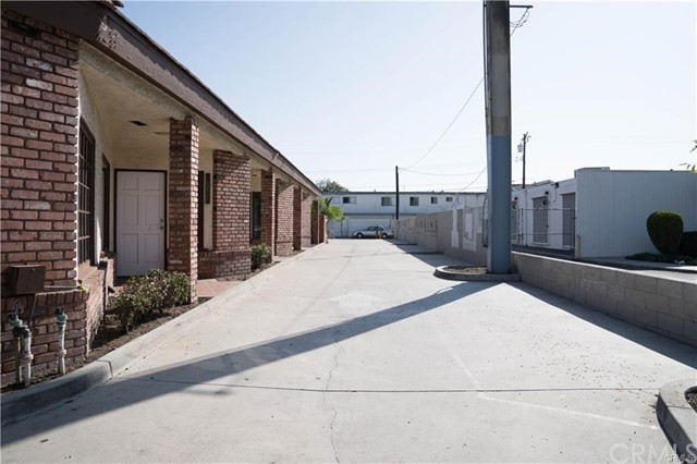10622 Katella Av, Anaheim, CA 92804 Photo 3