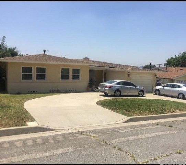 233 E 53rd Street, San Bernardino CA: http://media.crmls.org/medias/8006611d-401c-4e7a-a909-c7498642d6ef.jpg