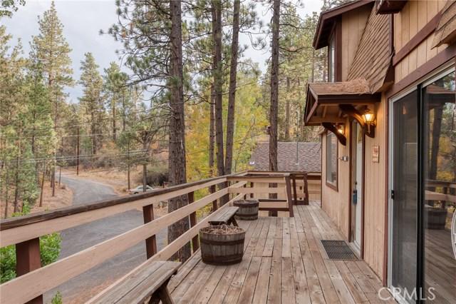 437 Gold Mountain Drive, Big Bear CA: http://media.crmls.org/medias/802abb40-511c-4c88-98e4-f5b84e21a641.jpg